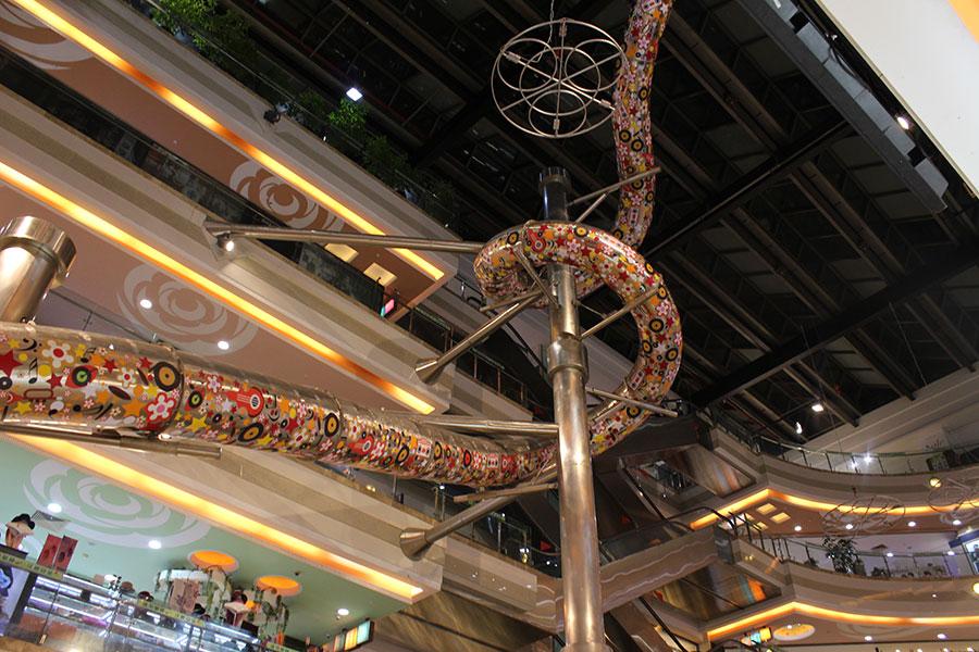 上海巴黎春天不锈钢滑梯案例 (1)